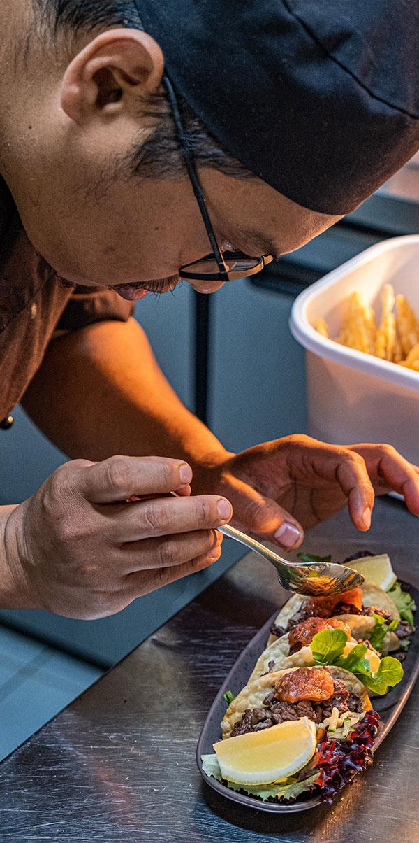 The Peel Inn Hotel Nundle chef